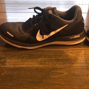 Nike Shoes - Men's Nike Black Size 10.5